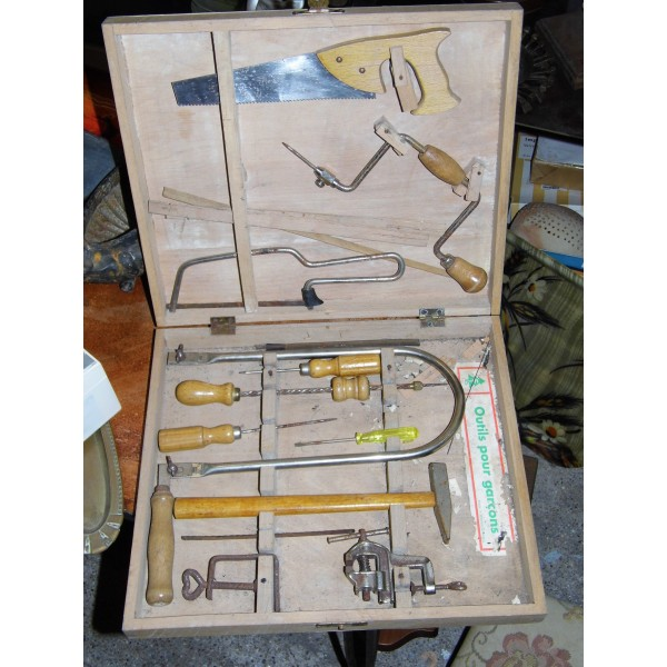 jouet ancien mallette outil coffre menuisier enfant au d p t d 39 achille. Black Bedroom Furniture Sets. Home Design Ideas