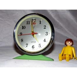 Ancien reveil pendule horloge vert années vintage