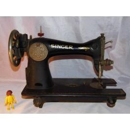 Machine à coudre SINGER NAPOLEON noir et or